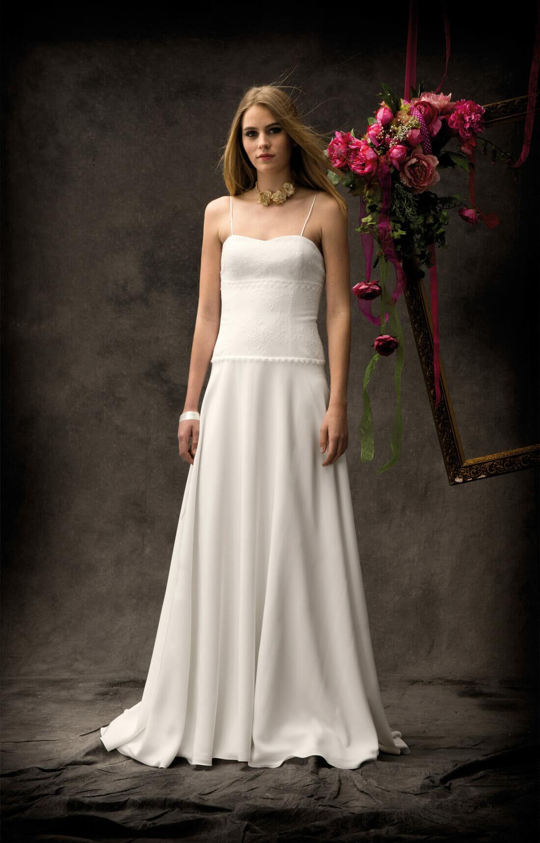 La robe de mariée Renoir, style bohème fabriquée en France par Lambert Créations pour Croquelune