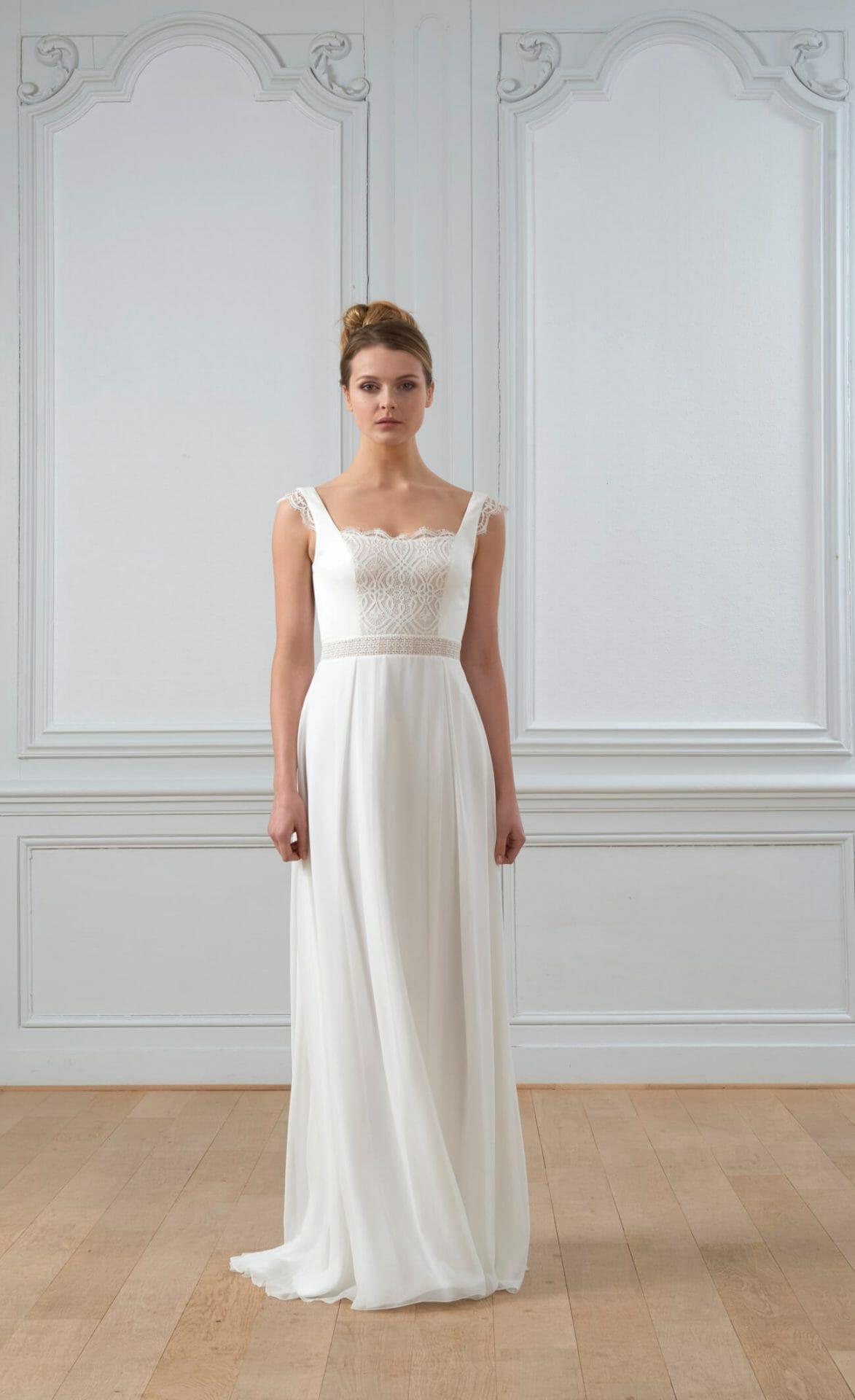 La robe de mariée Claude, style bohème fabriquée en France par Lambert Créations pour Croquelune