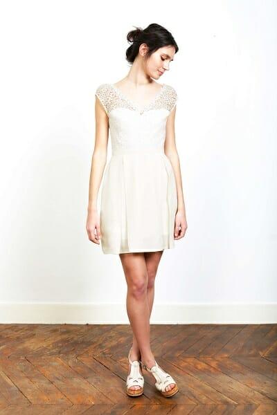 La robe de mariée bohème en pied de la créatrice parisienne L'Amusée fait partie des collections permanentes de Croquelune