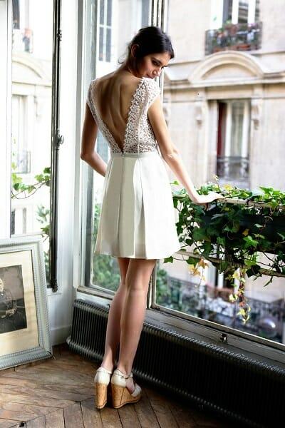 La robe de mariée L'Audacieuse vue de dos de la créatrice parisienne L'Amusée fait partie des collections permanentes de Croquelune