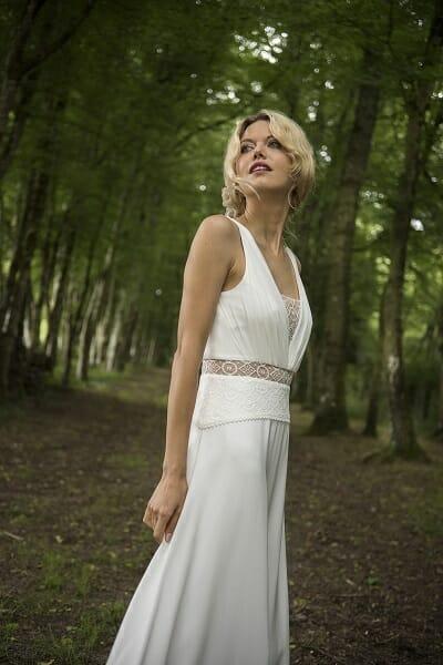 La robe de mariée, style bohème couture fabriquée en France par Lambert Créations pour Croquelune