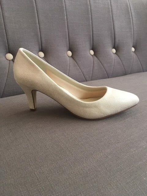 Chaussures de cérémonies particulièrement confortable car elles sont molletonnées à l'intérieur.