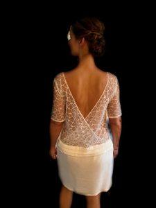 Livre d'or, la robe de mariée ``Nouvelle Audacieuse`` de la créatrice parisienne L'Amusée de la couleur Ivoire est entrée dans la collection 2020-2021 de Croquelune à Bordeaux